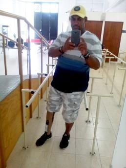 Olario se puede parar solo y caminar